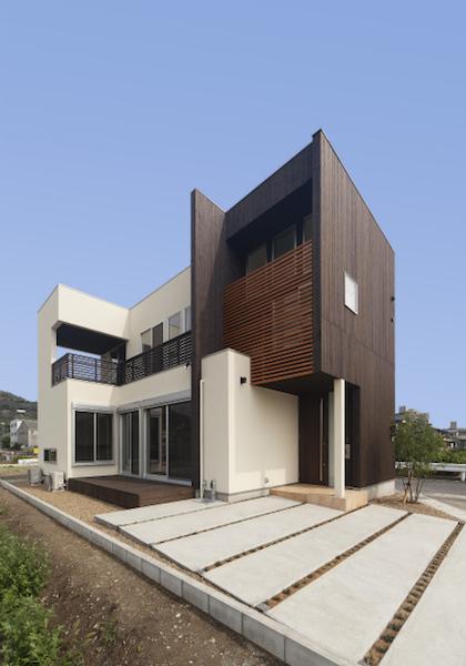 ラグジュアリーデザインハウス