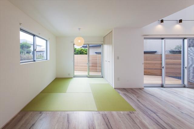 姫路で新築の住宅に関するご相談は、口コミで人気の【岸建工】へ。新築の住宅を建築する際には、日当たりの良さは非常に重要なポイント。日当たりが良い新築(住宅)の部屋画像